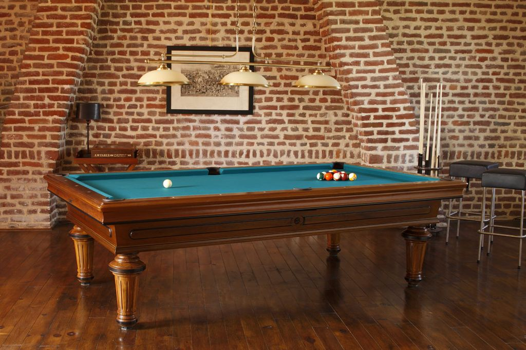 billard toulet empereur luxe dans billard toulet sur id e d coration maison. Black Bedroom Furniture Sets. Home Design Ideas