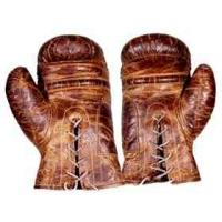 Gants de boxe en cuir couleur cigare h 120 x 190 x 320 - Fauteuil gant de boxe ...